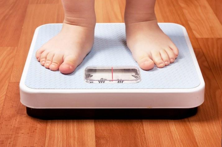 obesità-infantile-bambini-obesi-grassi-medicinaesteticaonline.net_.jpg