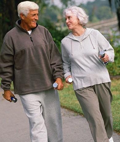 camminare-mantenersi-in-forma-risparmiare.jpg