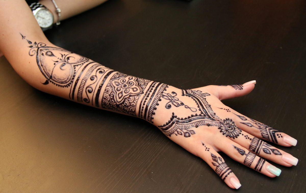 tatuaggi-hennè-1200x757.jpg