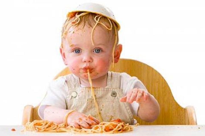 bambino-mangiare.jpg