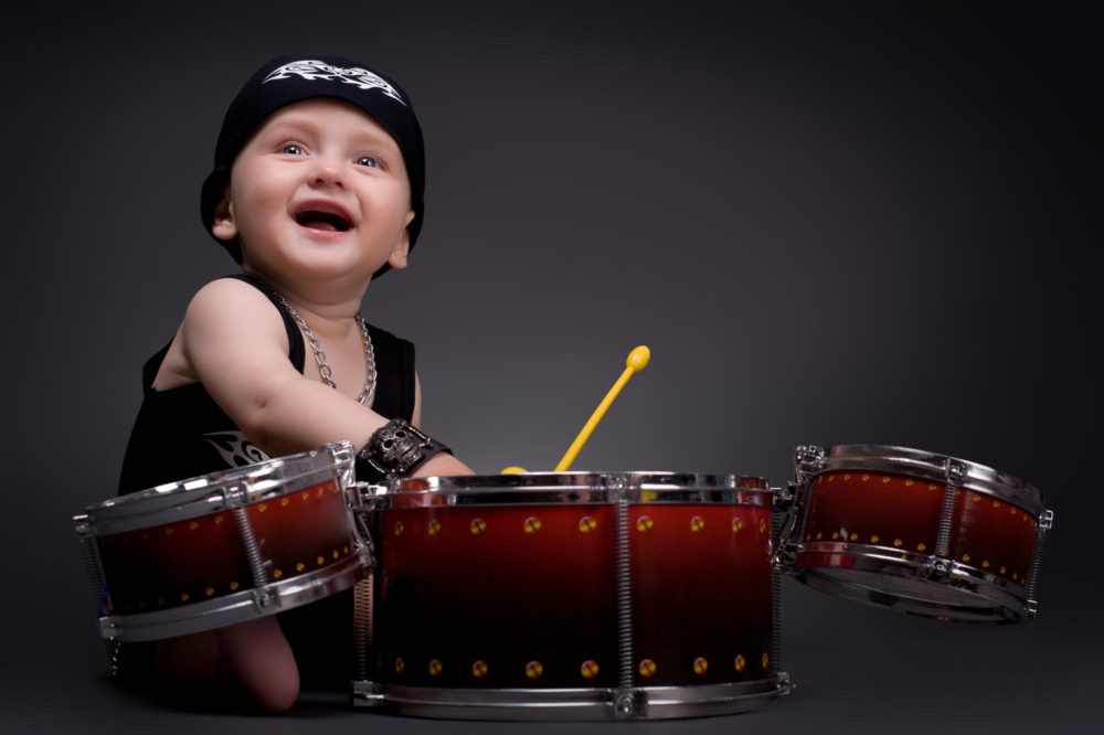 Kid-playing-drums_m-e1542043793686.jpg