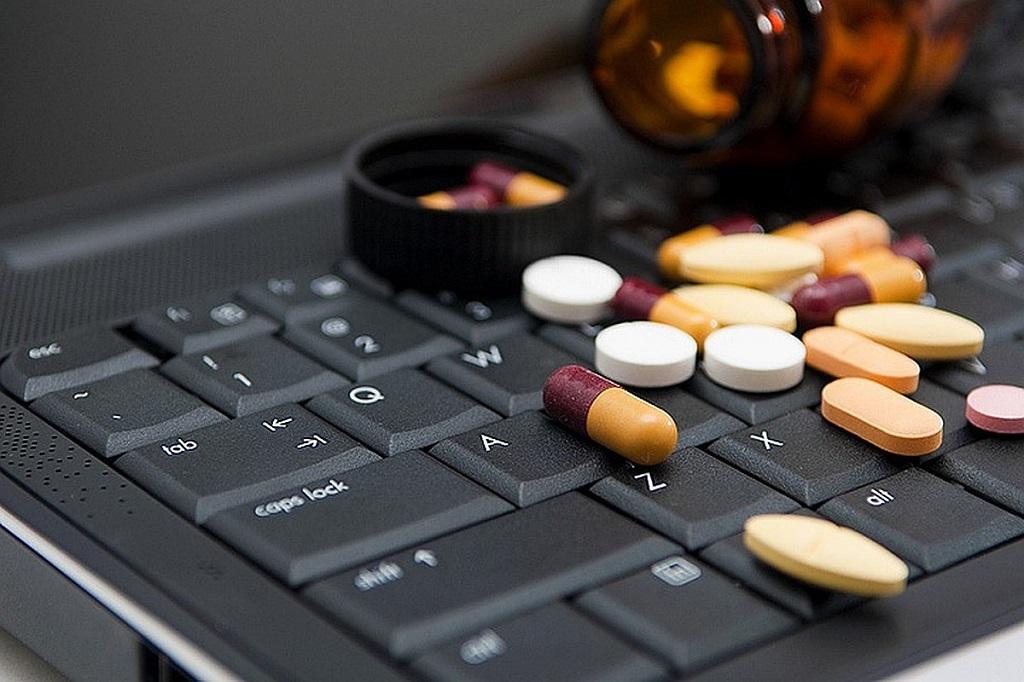 farmaci-anti-covid-19-siti-web-oscurati.jpg